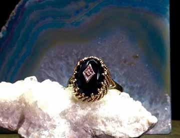 The Jewelers Edge